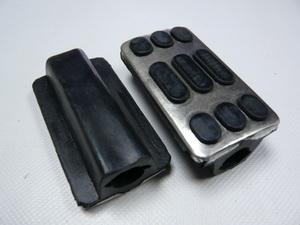 ХВ-50 13 валик резиновый подножки водителя (хром)